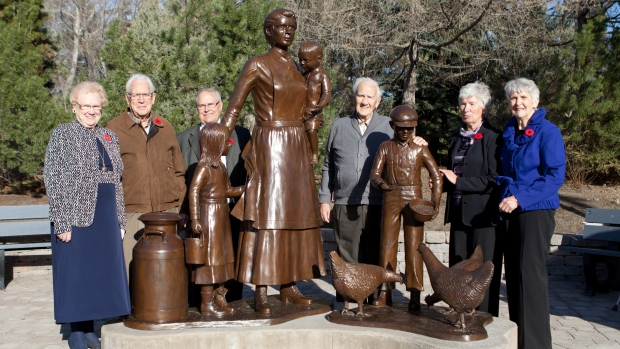 Pioneer Woman Sculpture